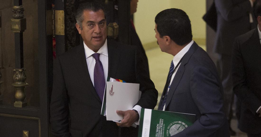 CIUDAD DE MÉXICO, 20DICIEMBRE2016.- Jaime Rodríguez Calderón, gobernador de Nuevo León, acudió a la 16 Sesión del Consejo Nacional de Seguridad Pública, en el salón Tesoreria del Palacio Nacional.  FOTO: MOISÉS PABLO /CUARTOSCURO.COM
