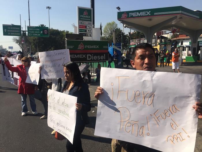 """""""Hay torpeza en la manera en que echaron andar la liberación de las gasolinas"""", alerta Salvador Mora Velázquez, politólogo de la UNAM. Foto: Cuartoscuro"""