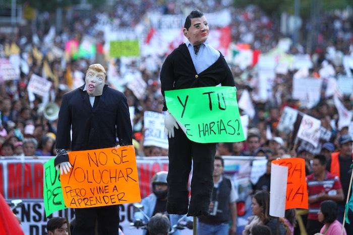 """Ayer sumaron doce días de protestas en la mayoría de los estados de la República por el """"mega gasolinazo"""". Foto: Cuartoscuro"""