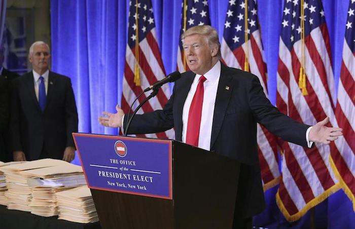 El presidente electo estadounidense, Donald Trump, ofrece una rueda de prensa en la Trump Tower, Nueva York, Estados Unidos, este 11 de enero de 2017. Foto: EFE