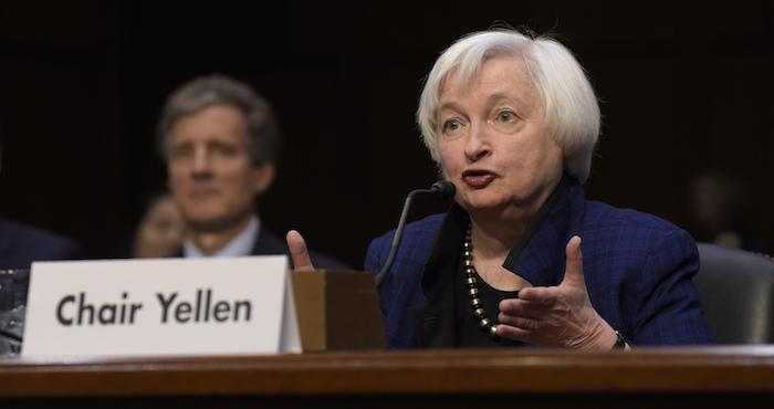 Yellen planta cara a Trump y le pide un plan fiscal