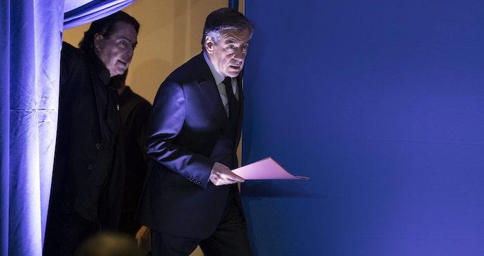 Imputan al candidato presidencial François Fillon por malversación de fondos públicos — Francia