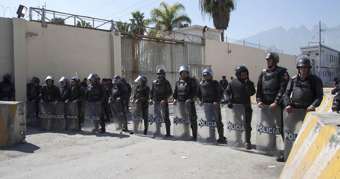 Descartan muertos en penal de Cadereyta; sólo un policía herido