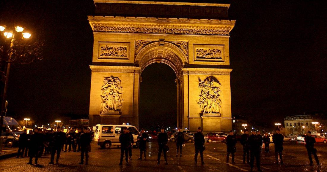 Mortal ataque en los Campos Elíseos de París, Francia [EN VIVO]