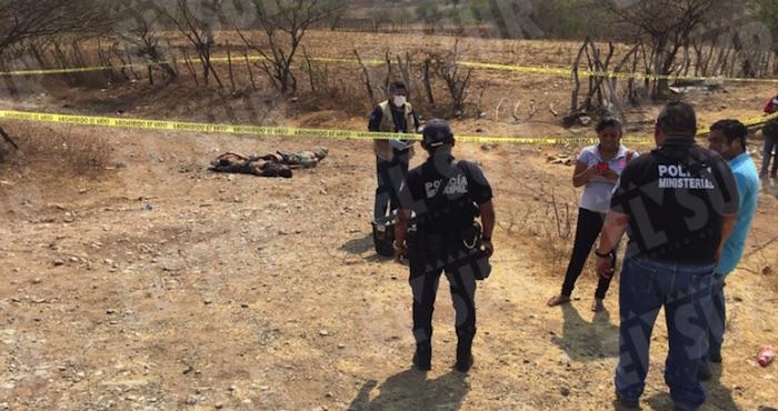 Estrangulan a 4 y abandonan cuerpos en carretera de Apango, Guerrero