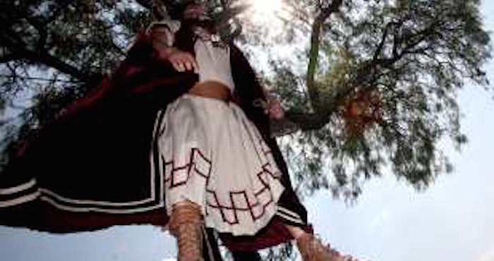 Joven muere ahorcado al representar a Judas en Viacrucis de Tancítaro, Michoacán