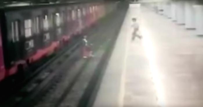 La procesan por arrojar su bebé al Metro