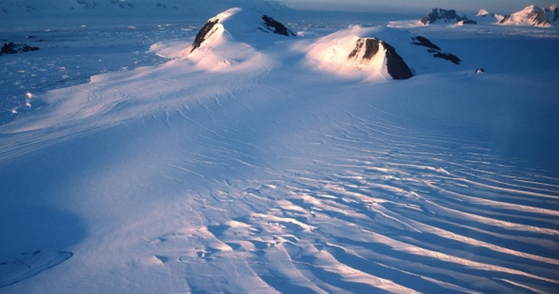 Detectan gigantesca grieta en Groenlandia — URUGUAY