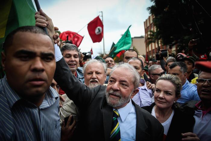 Lula enfrenta trama judicial que busca sacarlo de presidenciales