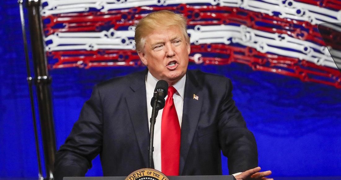 Trump amenazó con no dar más conferencias de prensa — Hecho un demonio