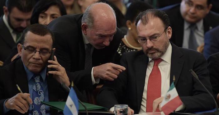 Delegación de Venezuela sorprende al acudir a reunión de la OEA