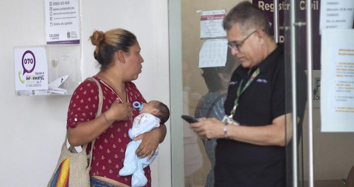 Padres ya pueden decidir qué apellido va primero, en Coahuila