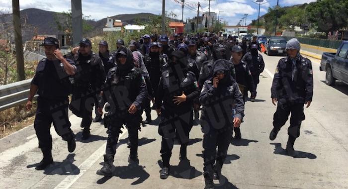 Astudillo anuncia sanciones a policías paristas de Guerrero