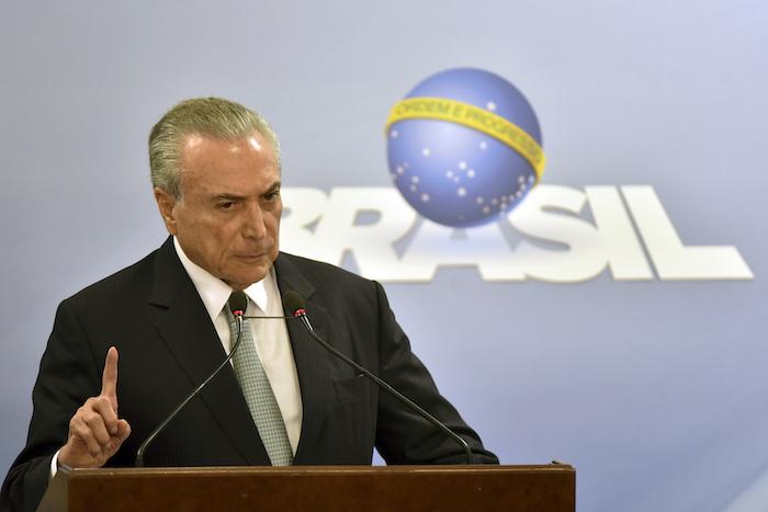 Fiscal general de Brasil acusa a Temer por