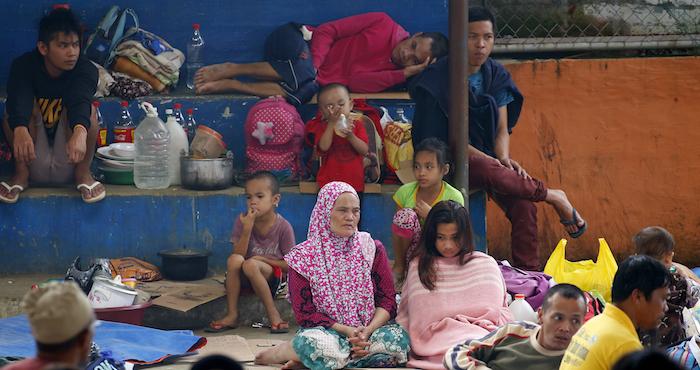 Arrecian combates en Filipinas tras asesinato de 19 civiles