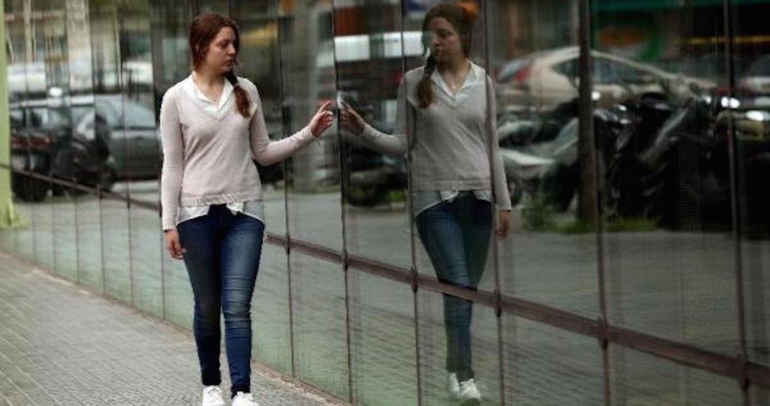 Hablar con uno mismo indica inteligencia, según estudio