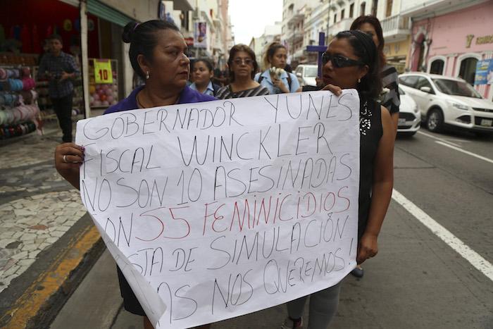 Detenida, Gina Domínguez; fue aprehendida la noche de este sábado en Xalapa