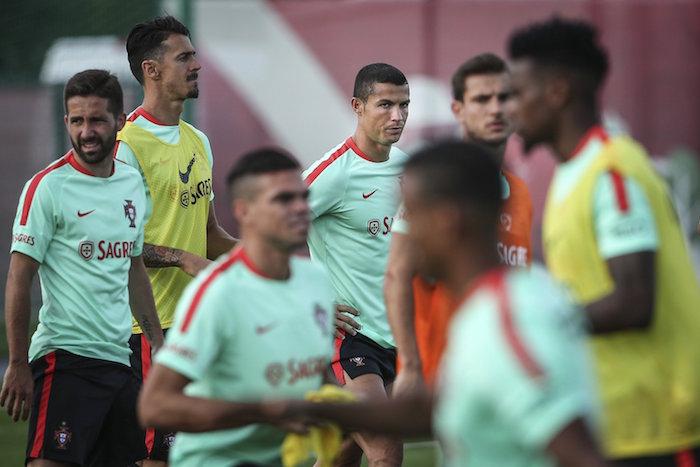 Cristiano Ronaldo se burla de los jugadores mexicanos — Copa Confederaciones