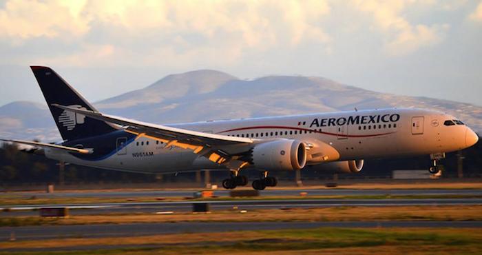 Una pasajera sufre picadura ¡en pleno vuelo — Escorpión a bordo