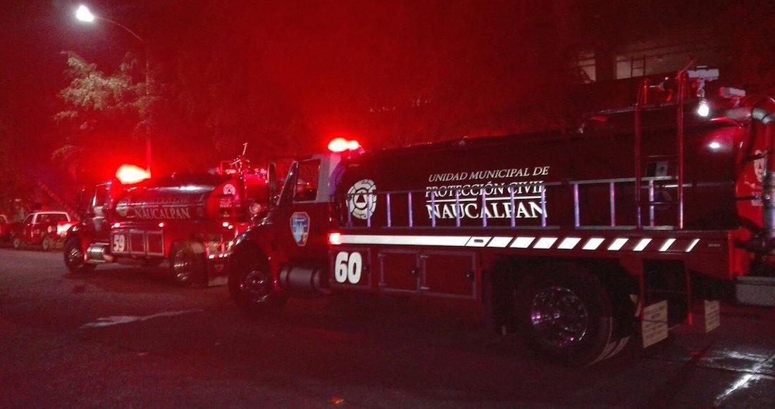 Incendio en dos locales de comida rápida en Plaza Satélite