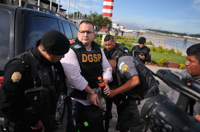 Detienen a Xóchitl Tress, presunta novia de Javier Duarte