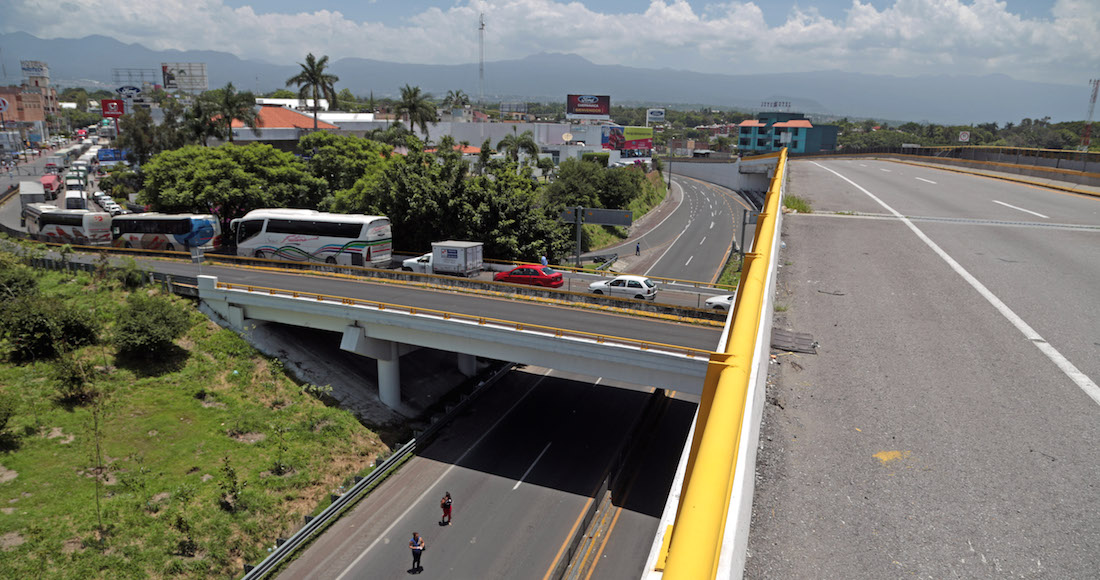 Diputados piden renuncia de Ruiz Esparza por Paso Express