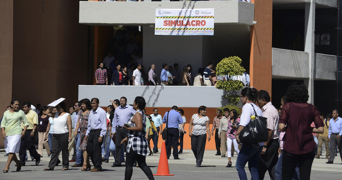 Realizan en palacio municipal simulacro de terremoto
