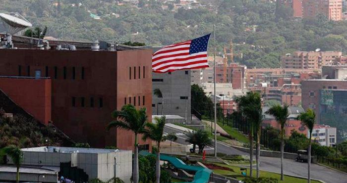 Empleado de la embajada de eu es rescatado tras ser for Que es el ministerio de interior y justicia