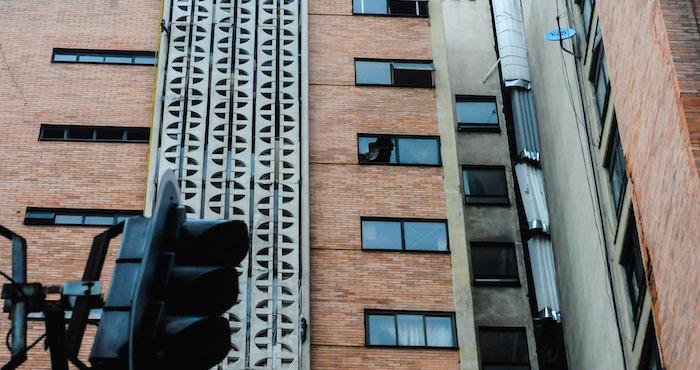 Sismo deja daños estructurales severos en edificio de la colonia Doctores
