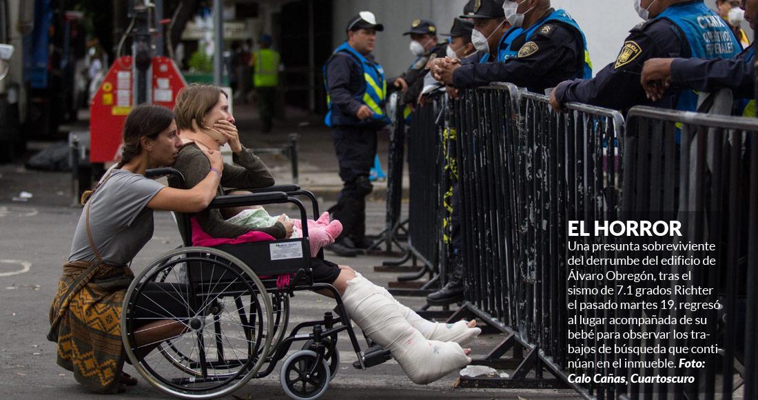 Israelíes sacan un cuerpo del derrumbe en Álvaro Obregón 286