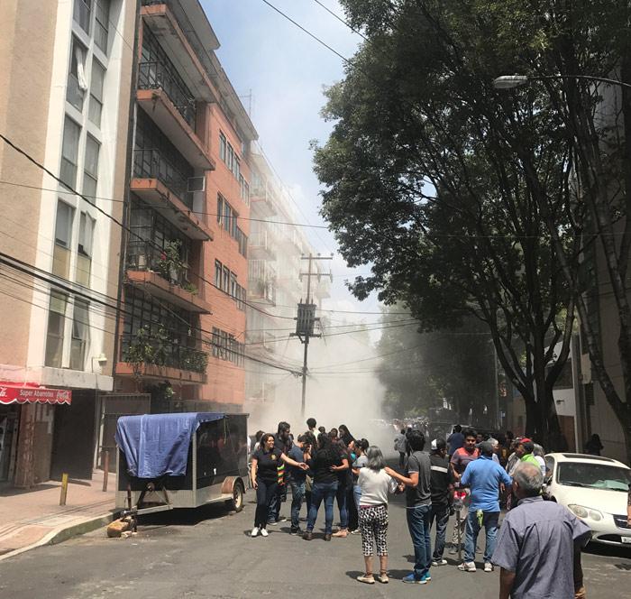 TERRIBLE: colapsó un colegio en México y hay niños atrapados