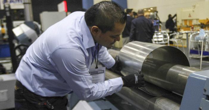 Actividad industrial de México cae durante julio