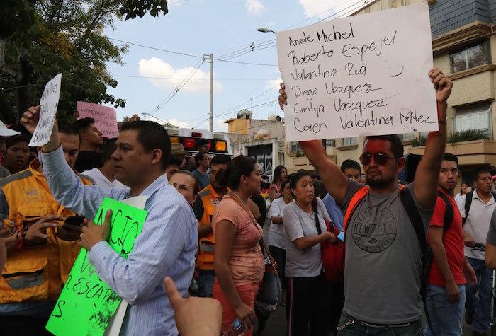 Confirman que Frida Sofía no existe — Tristeza en México