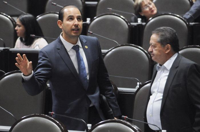 Senadores 'rebeldes' van contra pase directo a fiscal