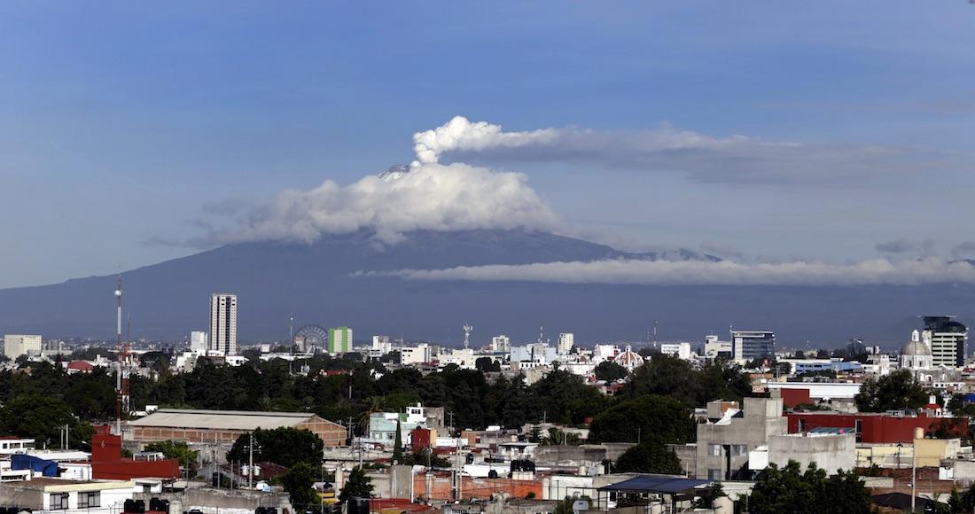 Reportan explosión y exhalaciones de ceniza en el Popocatépetl