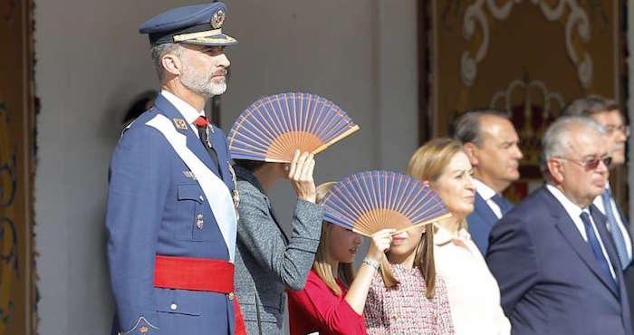 España luce poderío militar en medio de crisis catalana [FOTOS]
