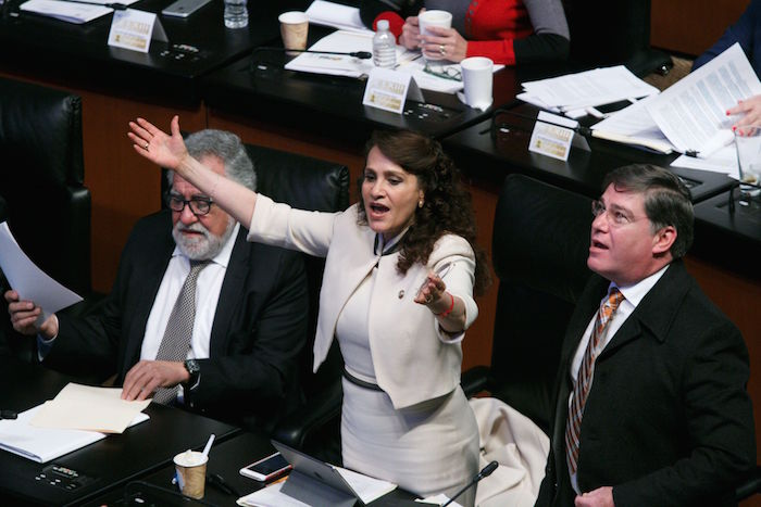 Aprueban en comisiones del Senado la Ley Televisa Doring