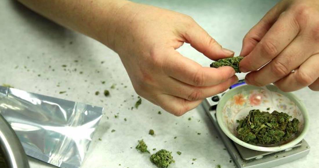 Dueña de Corona invierte en negocio de la marihuana