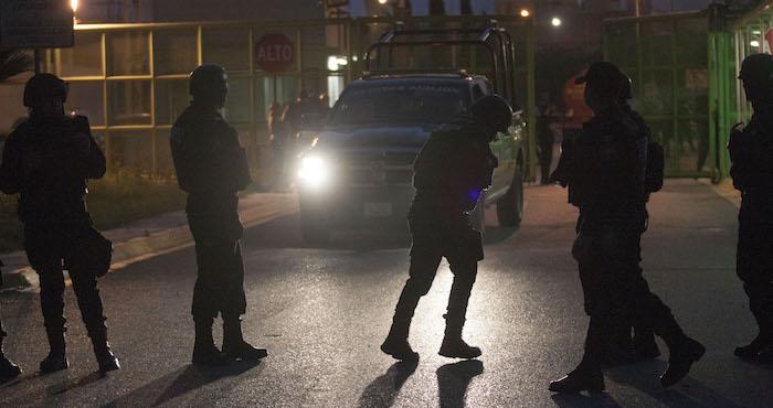 Reportan 3 muertos en riña de penal de Jalisco