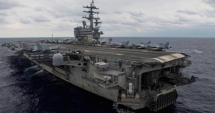 Un avión militar estadounidense se estrella en el mar en Japón