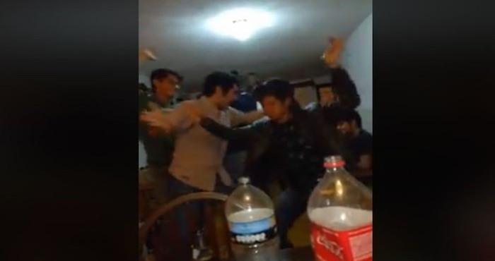 El VIDEO de jóvenes bailando al ritmo de