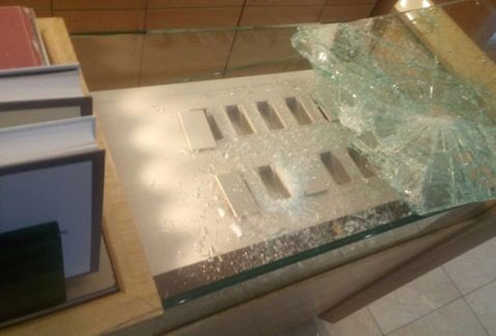 Reportan balacera en asalto a joyería en el Centro Comercial Santa Fe