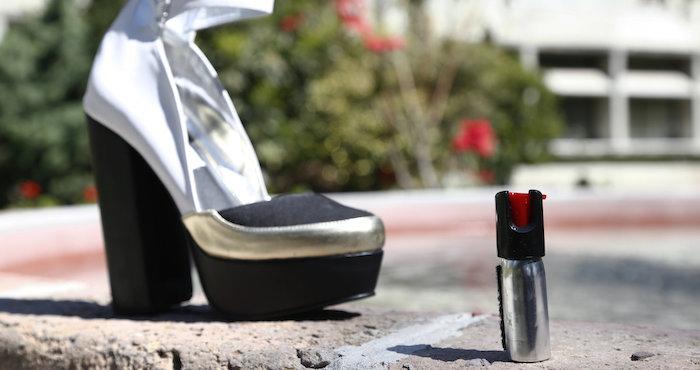 Tacones con gas pimienta — Diseño mexicano