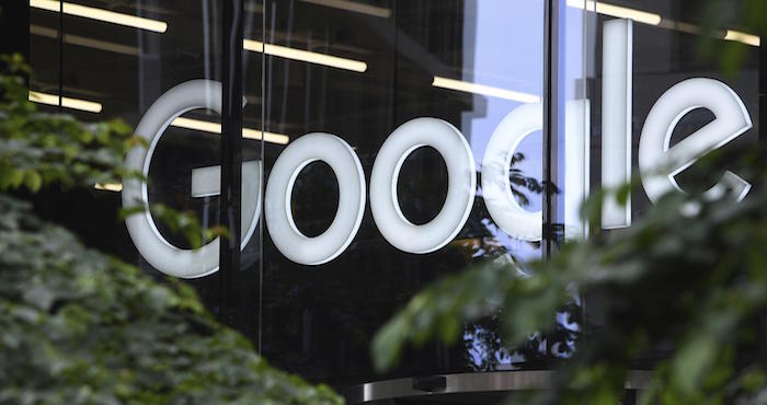 Francia demandará a Google y Apple por