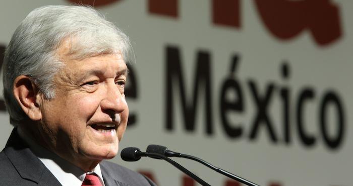 Morena denuncia a gobierno de Puebla por financiar línea contra AMLO