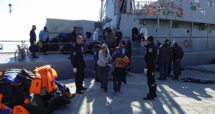Mueren al menos 14 migrantes durante naufragio en Grecia