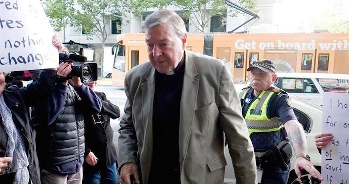 Cardenal australiano George Pell va a juicio por acusaciones de abuso