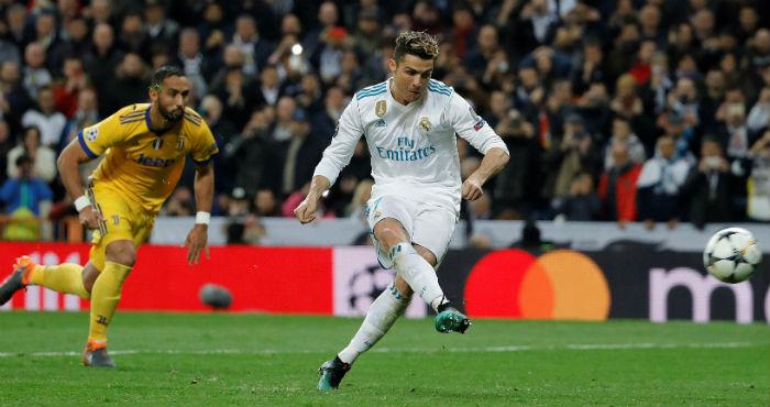 El portugués del Real Madrid Cristiano Ronaldo consigue de penalti el único  gol del Real Madrid cfa12122281