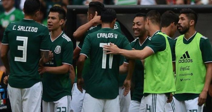 Miembros de la selección mexicana organizan fiesta en Lomas de ... b61815e9f26d3
