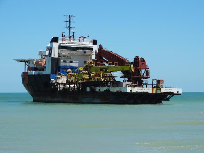Cinco navíos de Oceanografía quedaron varados en Ciudad del Carmen, Campeche, por falta de abastecimiento de diésel.